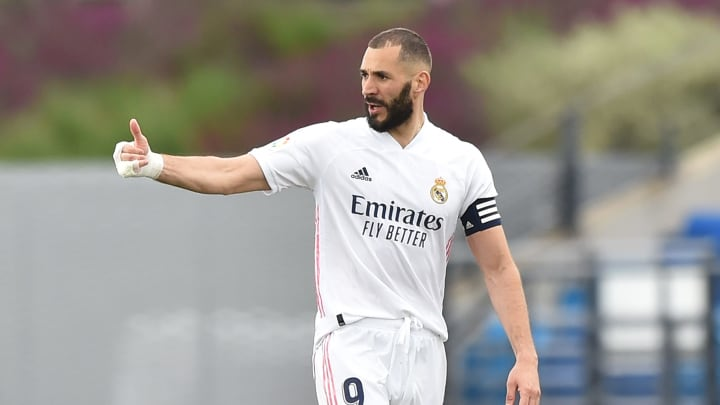 Der weiße Handschutz wird immer mehr zum Markenzeichen von Karim Benzema.
