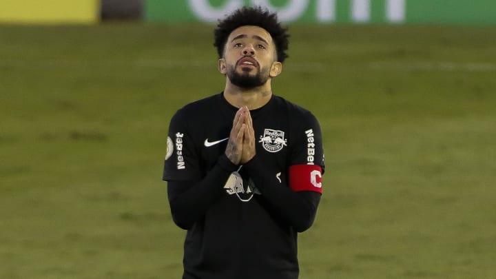 Claudinho, Artur, Rigoni e mais: confira sete jogadores que fizeram seus antigos clubes se arrependerem de tê-los negociado.