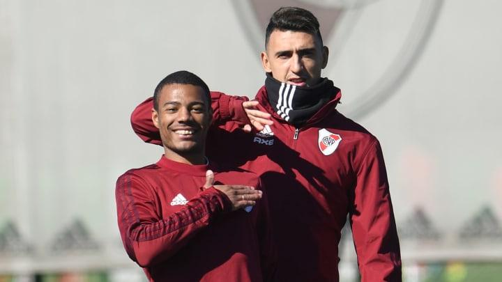 Suárez y De la Cruz entrenando
