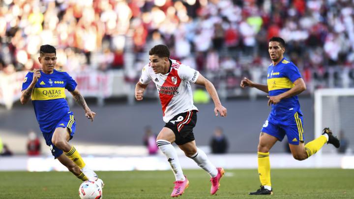 River Plate v Boca Juniors - Torneo Liga Profesional 2021 - Julián Álvarez volvió loco a todo Boca.