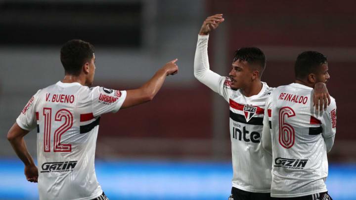 Diego Costa, Vitor Bueno, Reinaldo