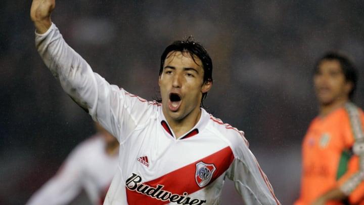 River Plate's Ernesto Farias celebrates
