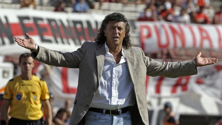 River Plate's team coach Nestor Gorosito