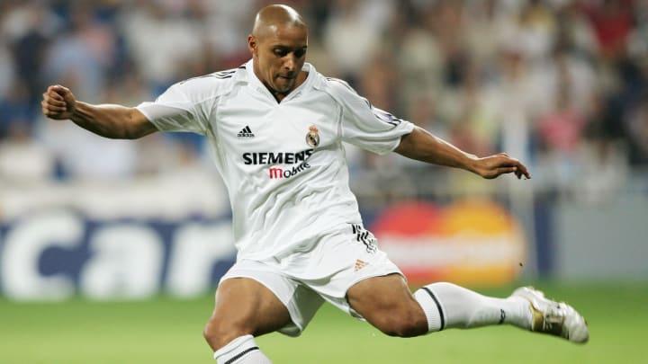 Legenden wie Carlos sind für das Ballon d'Or Dream Team nominiert
