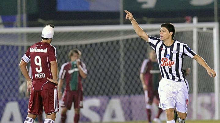 Flu, de Fred, caiu para o Libertad em 2011. Agora terá o Cerro pela frente.