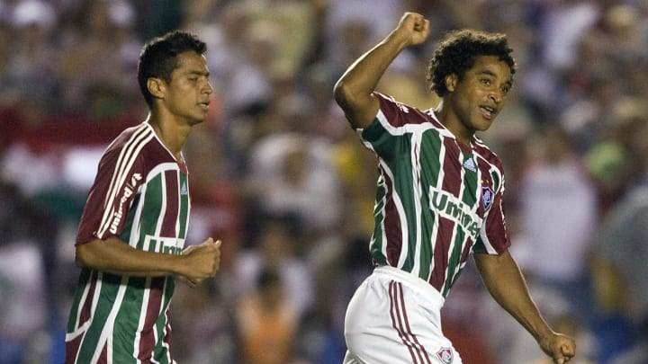 Roger Machado (R) of Brazil's Fluminense