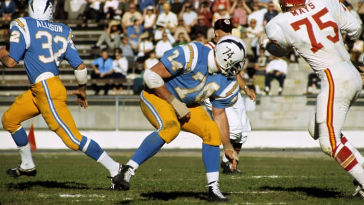 Former USC football lineman Ron Mix with the Chargers.
