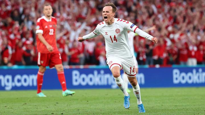 Mikkel Damsgaard foi uma das grandes sensações da Euro 2020. Atacante da Dinamarca despertou o interesse de vários clubes da Europa.