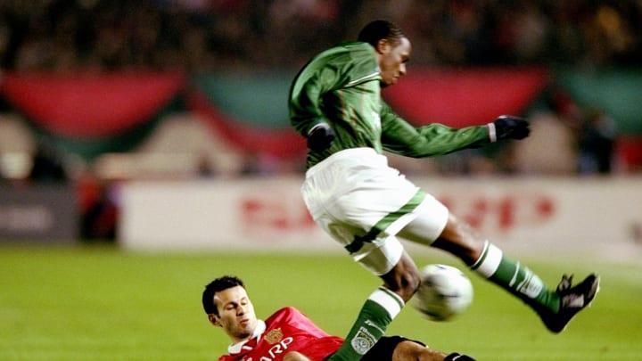Ryan Giggs of Manchester United     Roque Junior of Palmeiras