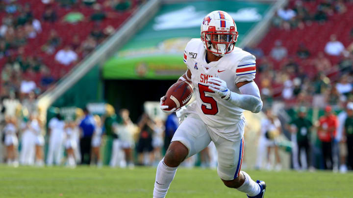 TAMPA, FLORIDA - SEPTEMBER 28: Xavier Jones #5 of the Southern Methodist Mustangs rushes during a game against the South Florida Bullsat Raymond James Stadium on September 28, 2019 in Tampa, Florida. (Photo by Mike Ehrmann/Getty Images)