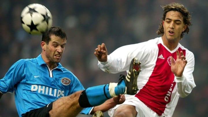 Ahmed Mido, à droite, est passé par l'Ajax Amsterdam avant de jouer à l'OM.