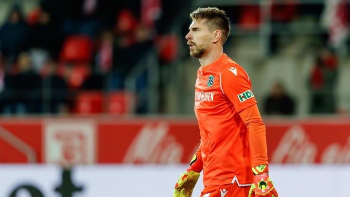 Aus Hannover weggeekelt: Wechselt Ron-Robert Zieler zum 1. FC Köln?