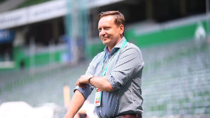 FC-Geschäftsführer Horst Heldt kann endlich eine offensive Verstärkung unter Vertrag nehmen.