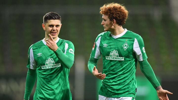 Wollen und müssen beide zünden: Werders Offensivkräfte Milot Rashica (l.) und Josh Sargent (r.)