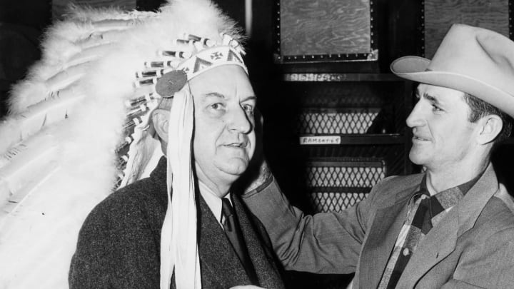 Redskins owner George Preston Marshall (L)