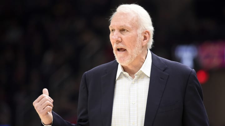 Gregg Popovich intenta llevar a los Spurs a los playoffs de la NBA