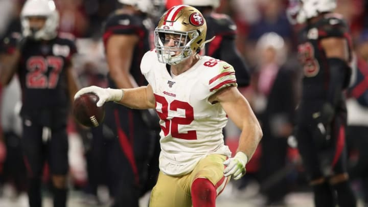 GLENDALE, ARIZONA - OCTOBER 31: Tight end Ross Dwelley #82 of the San Francisco 49ers celebrates after a first-down reception during the final moments of the second half of the NFL game against the Arizona Cardinals at State Farm Stadium on October 31, 2019 in Glendale, Arizona. The 49ers defeated the Cardinals 28-25. (Photo by Christian Petersen/Getty Images)