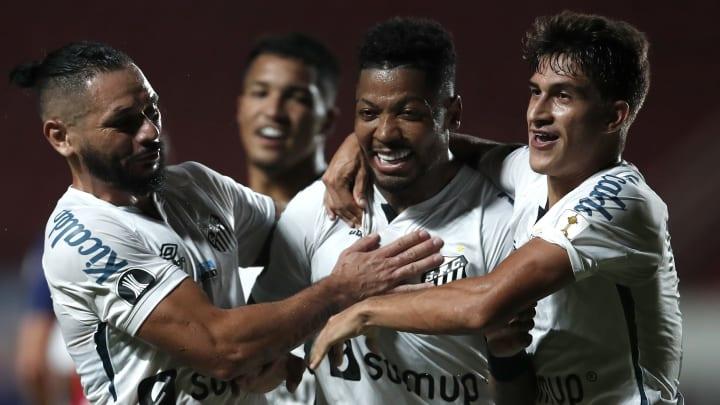 Santos fez grande jogo no Nuevo Gasómetro
