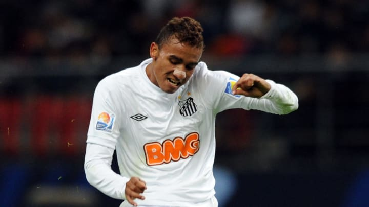 Santos FC defender Danilo kicks the ball