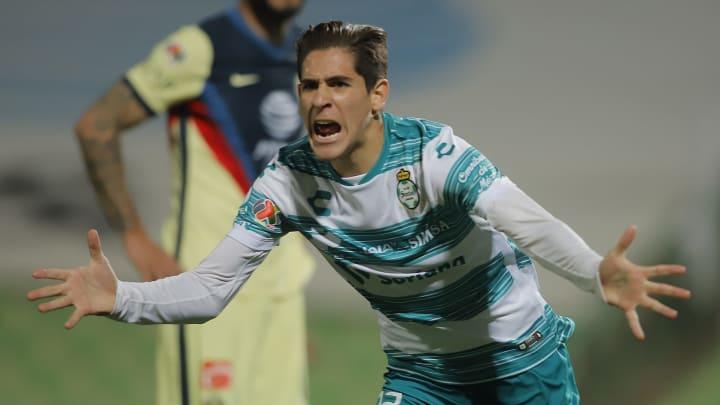Santiago Muñoz anotó al América y evitó la caída de Santos Laguna, con lo cual se quedaron por ahora con el liderato general.