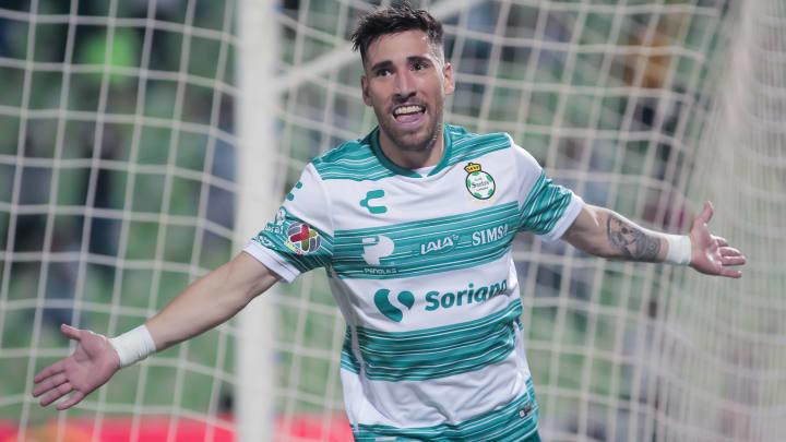 Tras una lesión, el uruguayo Fernando Gorriarán volvió a la acción de gran forma en la victoria de Santos Laguna sobre Querétaro.