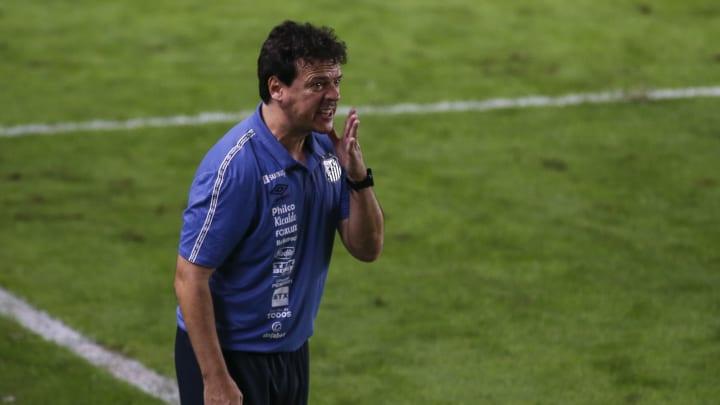 Fernando Diniz terá baixa importante para duelo contra o Furacão