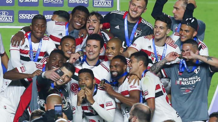 São Paulo venceu o Palmeiras por 2 a 0