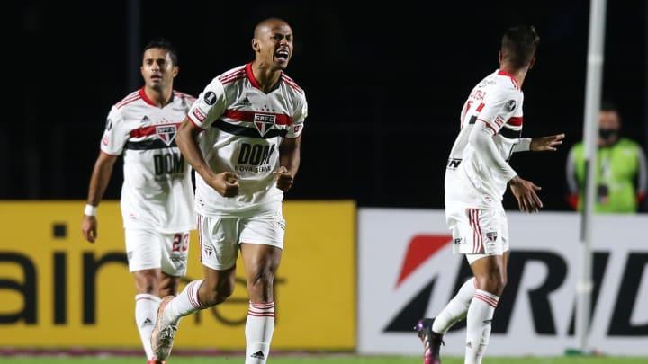 São Paulo venceu o Sporting Cristal por 3 a 0 no Morumbi