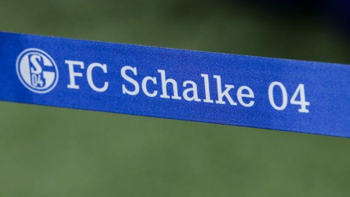 Schalke holt adidas zurück