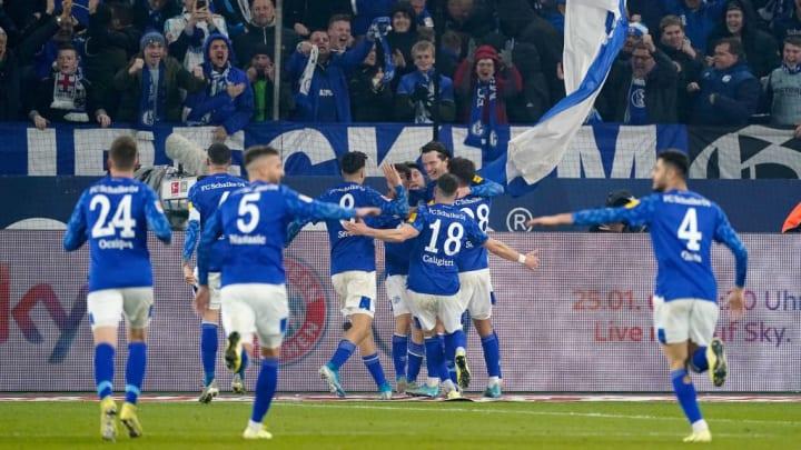 Kein Photoshop: Schalke beim letzten Duell gegen Gladbach