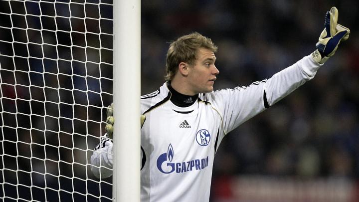 Schalke's goalkeeper Manuel Neuer gestur
