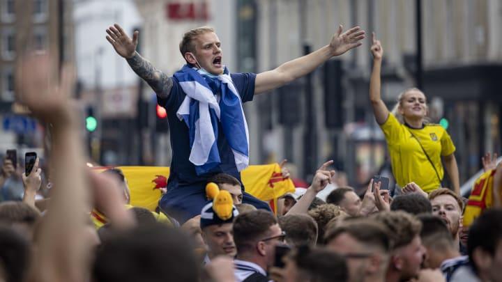 Scottish-football-fans-head-south-ahead-of-euro-ga
