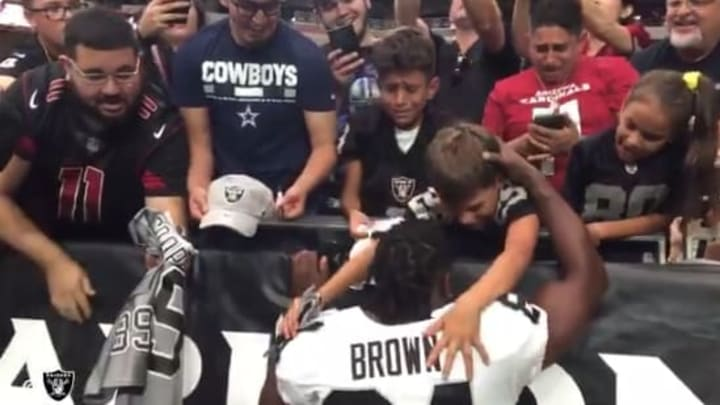 Video Antonio Brown Makes Kid S Day In Major Way After Week 2 Preseason Game Against Cardinals
