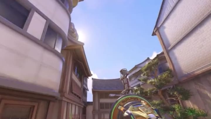 A Lucio player travels around Hanamura without touching the floor.