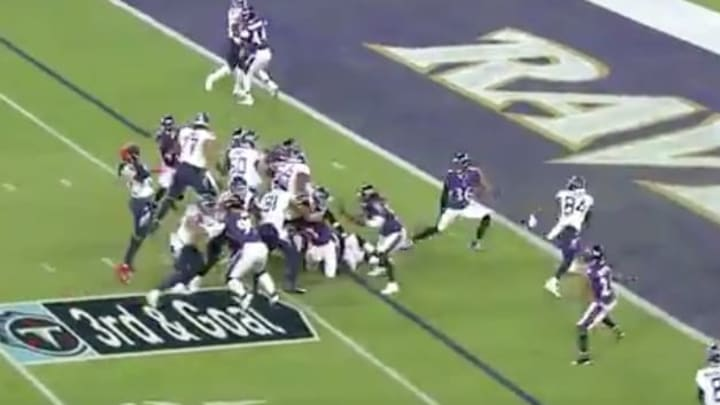 Titans RB Derrick Henry throw jump pass touchdown to Corey Davis vs Ravens