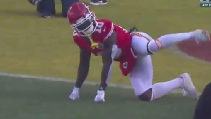Chiefs wide receiver Tyreek Hill used the dog peeing taunt before kickoff of the AFC Title Game.