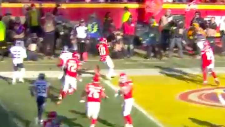 Tyreek Hill puts Chiefs on the board with jet sweep touchdown vs Titans on Sunday.