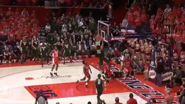 Michigan State defeats Illinois on last-second put-back