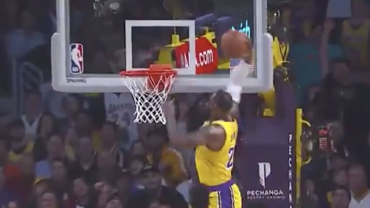 Los Angeles Lakers star LeBron James throws down huge dunk