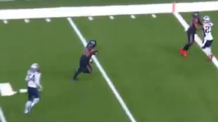 Darren Fells' second quarter touchdown gives Texans a 14-3 lead over the Patriots on Sunday.