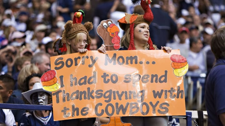 IRVING, TX - NOVEMBER 27:  Fans of the Dallas Cowboys send a message home at Thanksgiving during a game against the Seattle Seahawks at Texas Stadium on November 27, 2008 in Irving, Texas.  The Cowboys defeated the Buccaneers 34-9.  (Photo by Wesley Hitt/Getty Images)