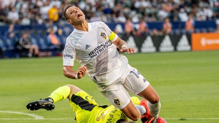 Javier Hernández presentó molestias físicas previo al duelo ante Sporting Kansas City