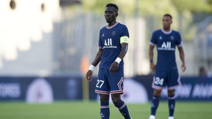 Idrissa Gueye porte le brassard de capitaine du PSG depuis le début de la préparation estivale.