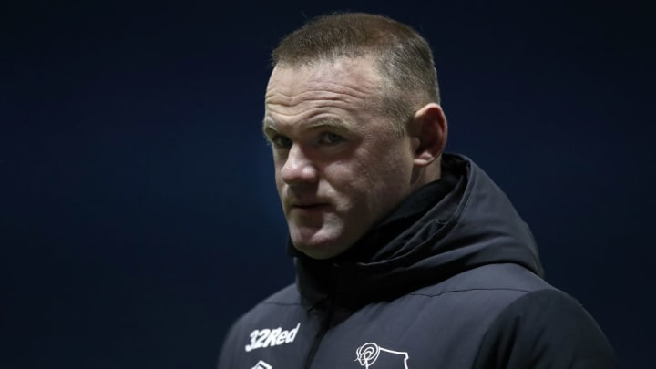 Ídolo do Manchester United, Rooney se aposentou e agora é treinador do Derby County.