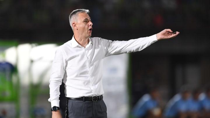 Treinador deve ser confirmado após anúncio do vice de futebol