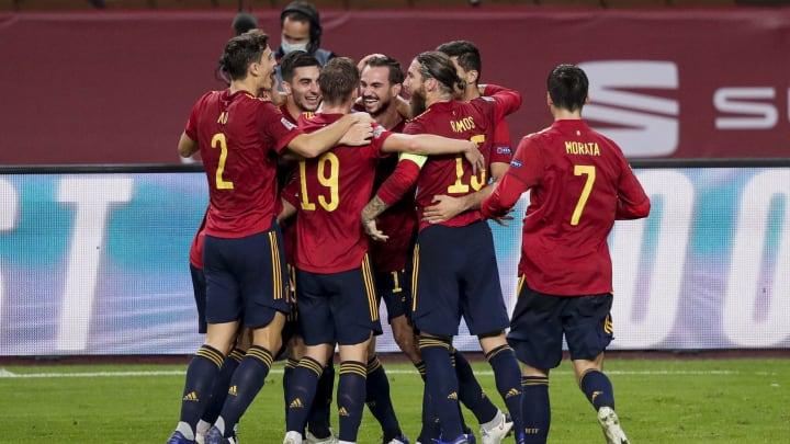 Los jugadores de la selección celebran uno de los goles a Alemania