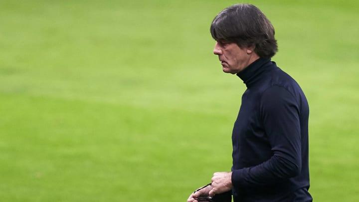Bundestrainer Joachim Löw steht mehr denn je in der Kritik