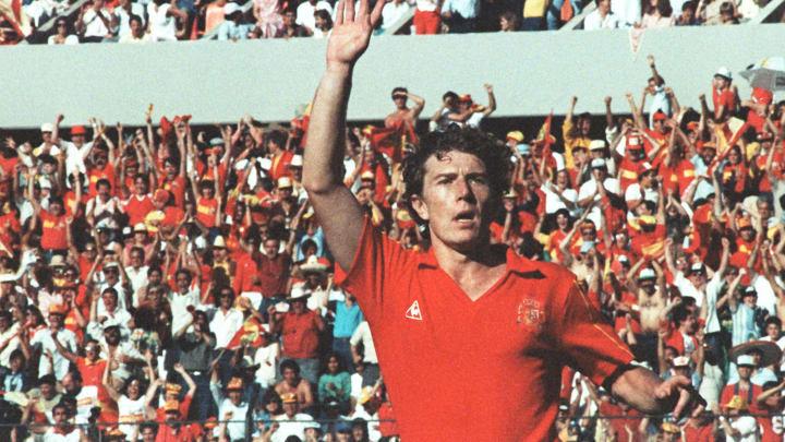 Spanish forward Emilio Butragueno celebr