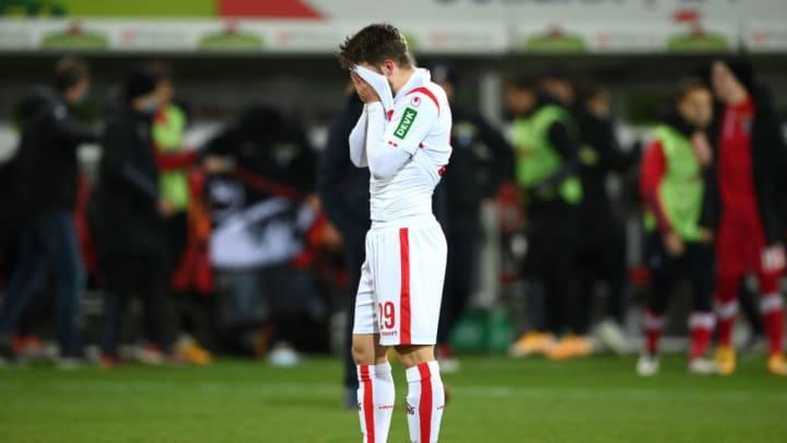 Mit der klaren Niederlage gegen Freiburg fällt Köln in ein Loch