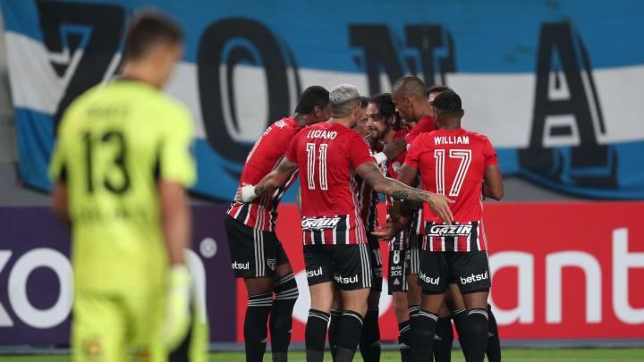 Tricolor vence o Sporting Cristal no Peru por 3 a 0.